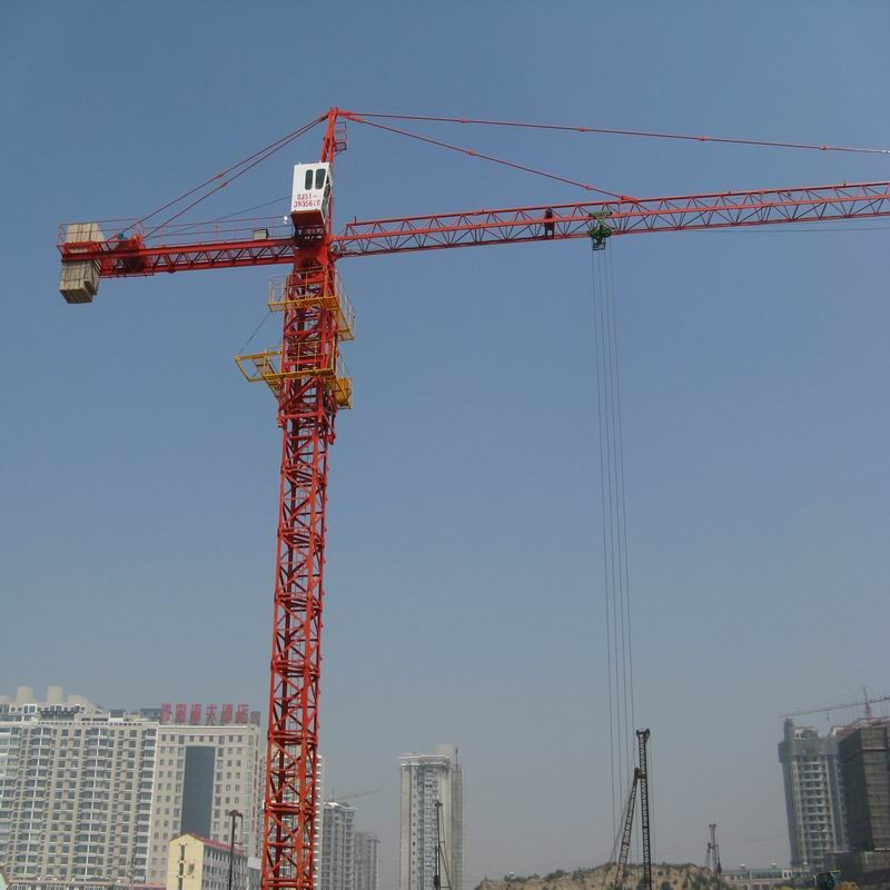TC6012 8 Tons Potain Tower Crane QTZ680(5613) with 151.2m Max Height , 48m Free Stranding
